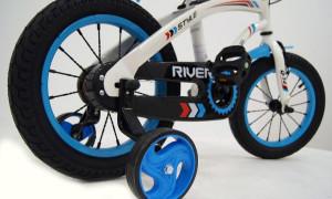 Зачем нужны дополнительные колеса для детского велосипеда