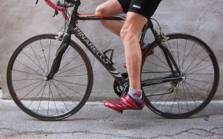 Боль от седла при езде на велосипеде