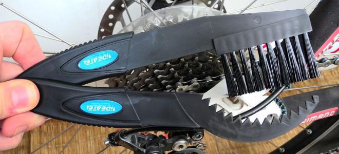 Приспособления и средства для чистки цепи велосипеда
