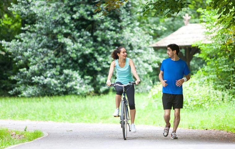 Картинки по запросу Что лучше, бег или езда на велосипеде
