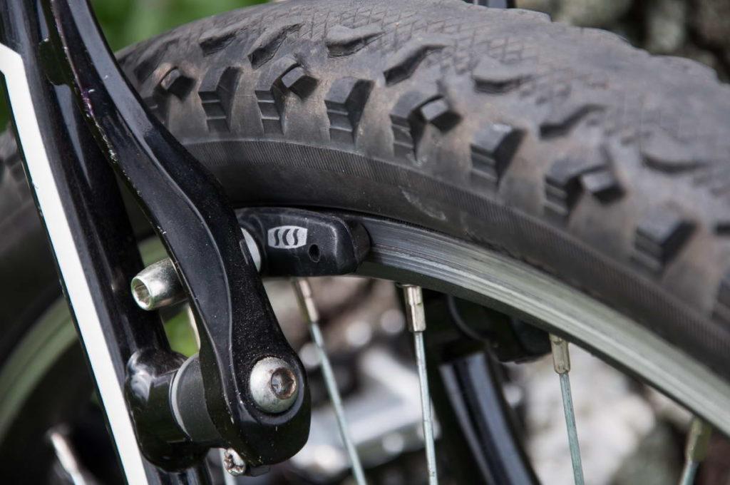 Велосипедный тормоз типа v-brake