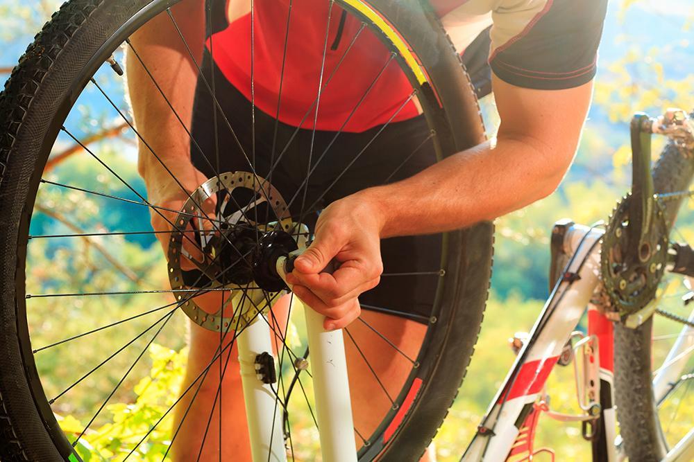 Регулировка переднего колеса велосипеда
